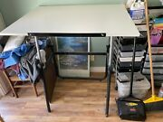 Art Drafting Table Used-great Condition, Great For New Artist Or Graphic Designe
