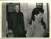 1966 Press Photo Pat Collins Leaves Ellington Afb Mass With Father James Gaunt
