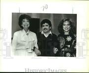 1987 Press Photo Elsa Borja With Others At Mexican Consul Officers Buffet Party