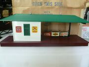 O Scale- Lionel Post War -256 Freight Station  In Box- R42