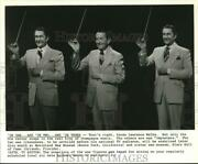 Press Photo Tv Host Lawrence Welk And Wax Sculptures At Movieland Wx Museum