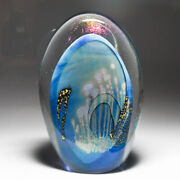 Robert Eickholt 1982 Abstract Dichroic Blue And Gold Leaf Upright Paperweight
