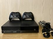 Microsoft Xbox One - Original 1tb 1540 With Two Controllers And Power Cable
