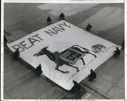 1966 Press Photo West Point Cadets Prepare To Hang Huge Sign For Football Game.