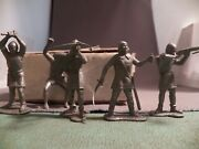 Marx 60mm Robin Hood Knight Lot Damaged 5 Figures Four Different