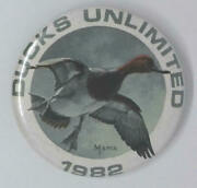 Vintage 1982 Ducks Unlimited Button Pinback Pin Badge Duck Hunting...free Ship