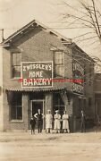 In, Richmond, Indiana, Zwissler's Home Bakery,exterior View With Owner And Workers