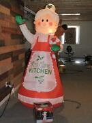 Gemmy 2009 Mrs Clausand039 Kitchen Christmas Inflatable 7 Foot