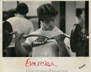 Press Photo Man Lifts Barbell In Gym - Ctaa22698
