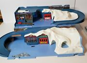 Rare Vintage Hot Wheels Sto And Go Alpine Mountain Adventure Playset Not Complete