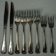Oneida Silver Colonial Mood Stainless 8-piece Set 2 Knife, 4 Fork, 2 Salad Fork