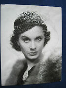 Original Bandw Signed Photo Of Vivien Leigh From Her Film And039dark Journeyand039
