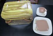 17 Pc Vintage 1950and039s Tin Picnic Basket W/dishes And Wood Handles