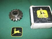 New Oem John Deere Compact Tractor Mfwd Spindle Gear M804193 97010709904005