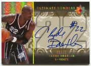 06-07 Ultimate Collection Clyde Drexler Autograph Numbers Auto /22
