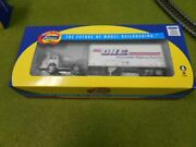 Ho Scale Athearn 91031 Ford C And 28' Wedge Trailer, Dhe Freight - Nib