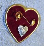 Vintage Wotm Moose Velvet Pin Holder Heart Pin Collection Of Pins 4 Pins