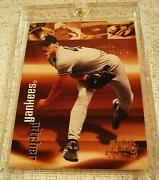 Andy Pettitte 1999 Skybox Super Rave Holographic Gold Foil Serial 02/25 Yankees