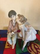 Genuine Lladro Porcelain Figurine Ten And Growing 7635 Girl Kissing Boy On Bench