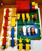Lego Duplo Lot Farm Set W/ Base Plate Lots Of Animals And Tractors