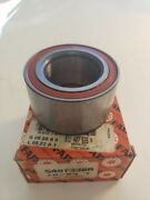 Nos Vw Fox From And03987 And Audi Fox 73-79 Front Wheel Bearing 811-407-625a