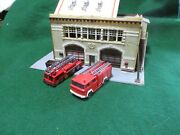 Model Power Engine House With 2 Fire Trucks And 6 Firefighters. H.o.
