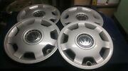 Set Of Four Volkswagen Vw Jetta Hubcaps New/near Perfect 1997 1998 Models