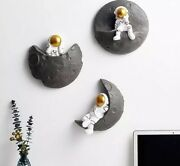 Modern 3d Resin Astronaut Wall Decoration Sculpture Nordic Figurines And Statues