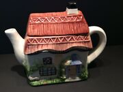 Novelty Teapot. English Cottage/thatched Roof