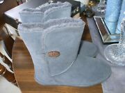 Bearpaw Boots Great Condition. Size 9 Gray Suedeprice Includes Shipping.