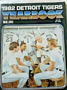 Detroit Tigers Mlb Baseball Official 1982 Yearbook Sparky Anderson Jack Morris