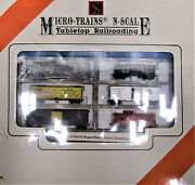 Micro-trains Tabletop Railroading W/ Kato Gp38-2 And 5 Freight Cars N Scale