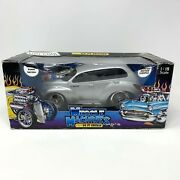 Muscle Machines 2000 Chrysler Pt Cruiser 118 Scale Diecast Model Car Silver Lmt