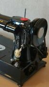 Beautiful Singer 222k Featherweight Collectable Sewing Machine