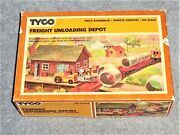 Tyco Ho Scale 931 800 Freight Unloading Depot Unused In Original Box