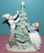 Large Lladro Christmas Figurine 5897 Trimming The Tree Boy And Girl