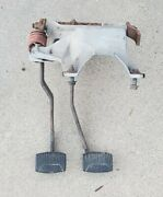 80 81 82 83 Ford Truck Bronco F150 F250 F350 Clutch Brake Pedal Assembly