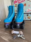 Rare Menandrsquos Size 5 Moxi Lolly Roller Skates In Discontinued Pool Blue