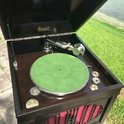 A Restored 1917 Model 207 Phonograph - See The Video