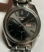 Seiko 5 Engraved Black Dial Vintage Menand039s Watch Working Product Showa Antique