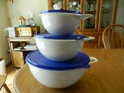Tupperware Thatsa Bowl Set Of 3 White Bowls With Blue Lids 6,12 And 32 Cups Vguc