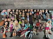Bratz Doll Huge Lot Of 30 Dolls, W/clothes Shoes And Accessories 2001-2015-read