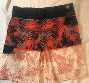 Nwt Ocean Current Mens Board Surf Shorts Swimsuit Size 32 4-way Stretch