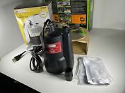 Utilitech Thermoplastic 1/3-hp Submersible 25 Gpm Utility Sump Pump 0094086