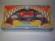 New Lionel Collectorand039s Crossing Hell Gate Bridge Set W/mugs And Cookies 452600