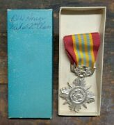 Vietnam War Vintage Arvn Armed Forces Honor Medal 2nd Class W/ Box Theater Made