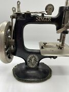 1900and039s Singer Antique Sewhandy Singer Childandrsquos Toy Sewing Machine Metal