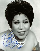 Aretha Franklin Signed Autograph 8x10 Photo The Queen Of Soul Bas Full Letter