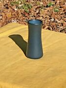 BEAUTIFUL MARBLEHEAD POTTERY ARTS & CRAFTS MATTE BLUE TAPERED VASE..MINT..GRUEBY