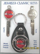 Plymouth And03965 Satellite Logo White Gold Deluxe Classic Keys Set 1965